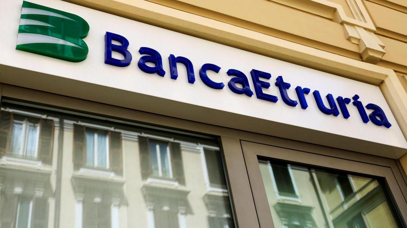 Ricorso abusivo al credito: 21 indagati in Banca Etruria