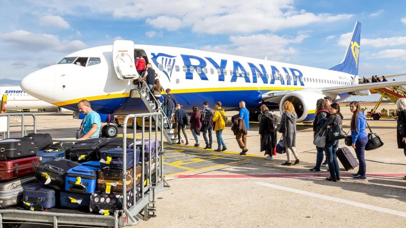 Ryanair a rischio multa: per Antitrust non informa passeggeri