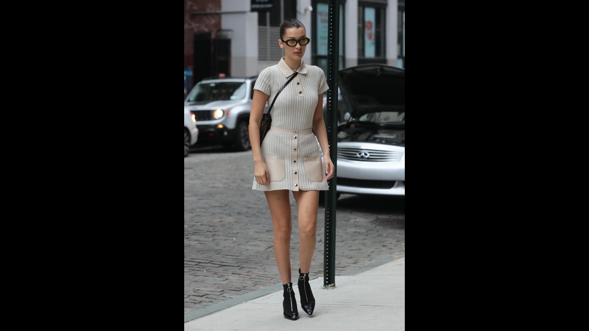 FOTO Mini vestito e gambe da urlo per Bella Hadid a passeggio per New York