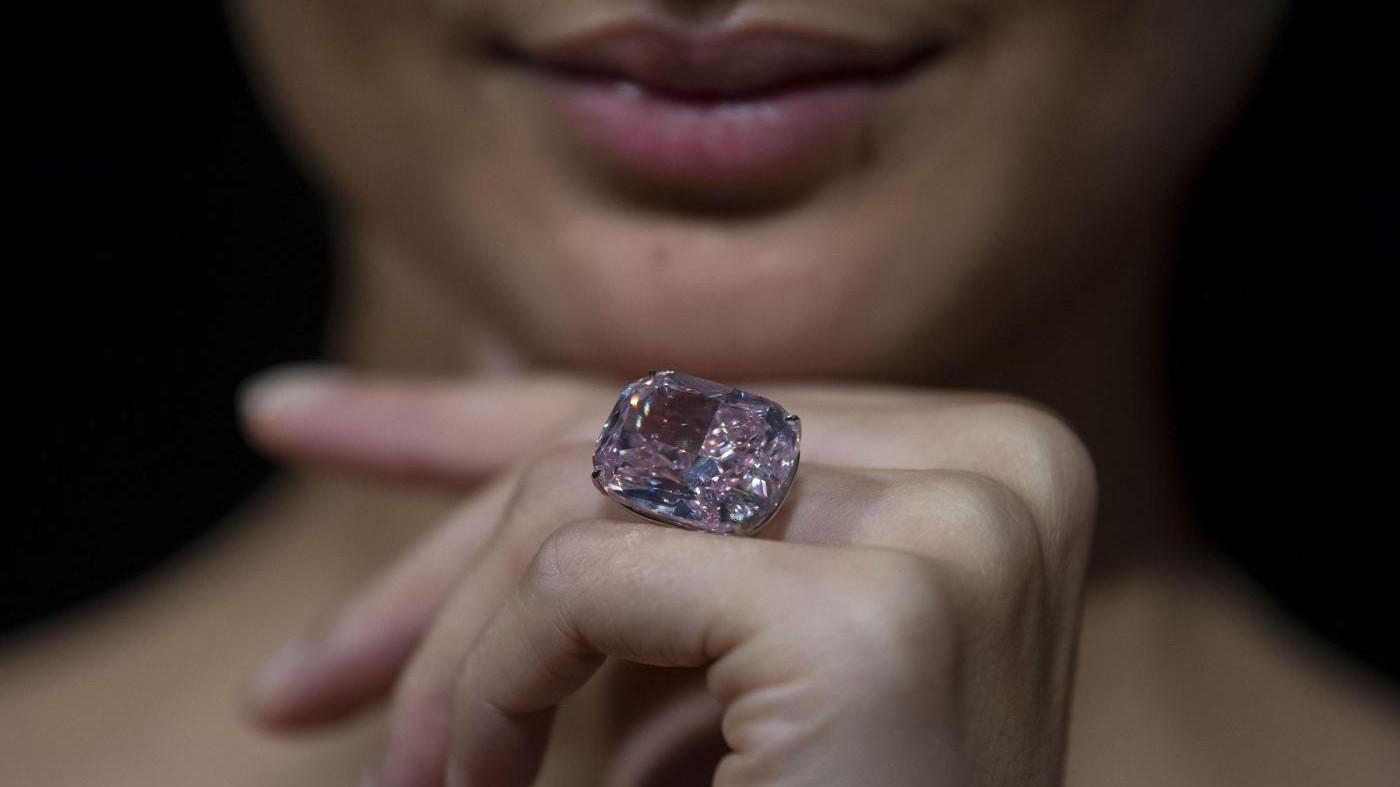 All'asta il diamante rosa più grande al mondo: vale 30 milioni di dollari