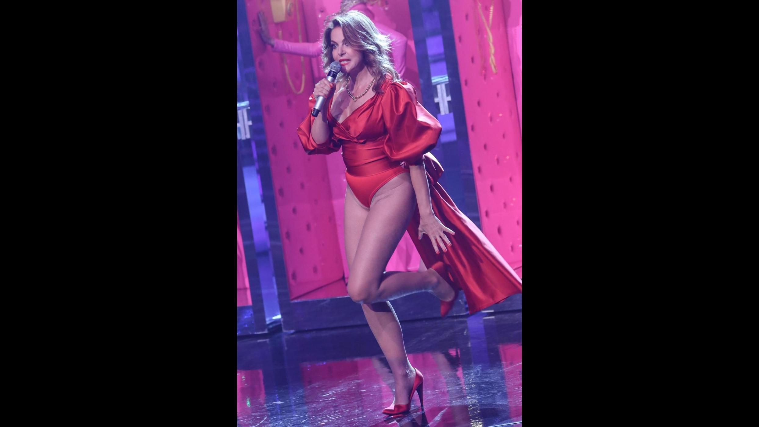 La prima puntata di Celebration: Serena Rossi conduce, canta e balla