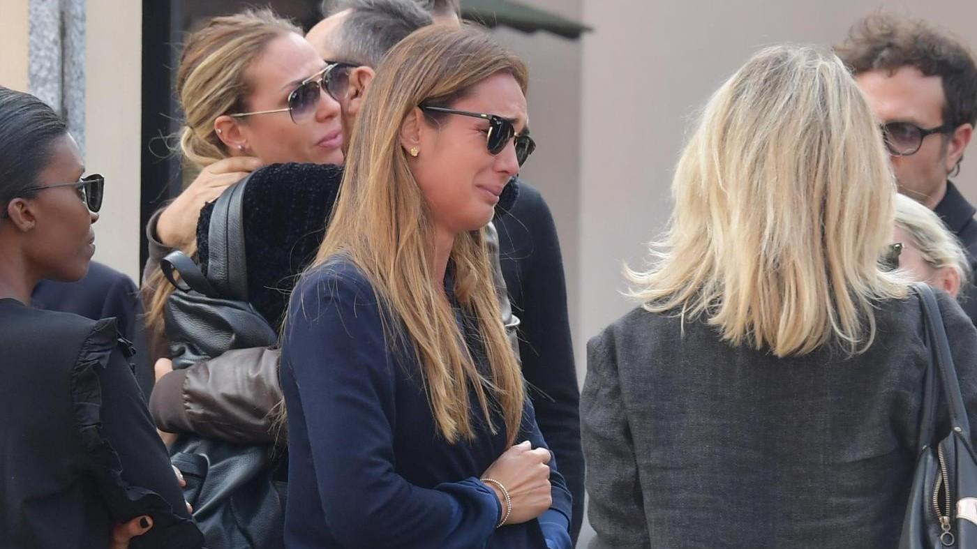 Da Ilary Blasi a Bisio: vip in lacrime ai funerali del manager Tuzio