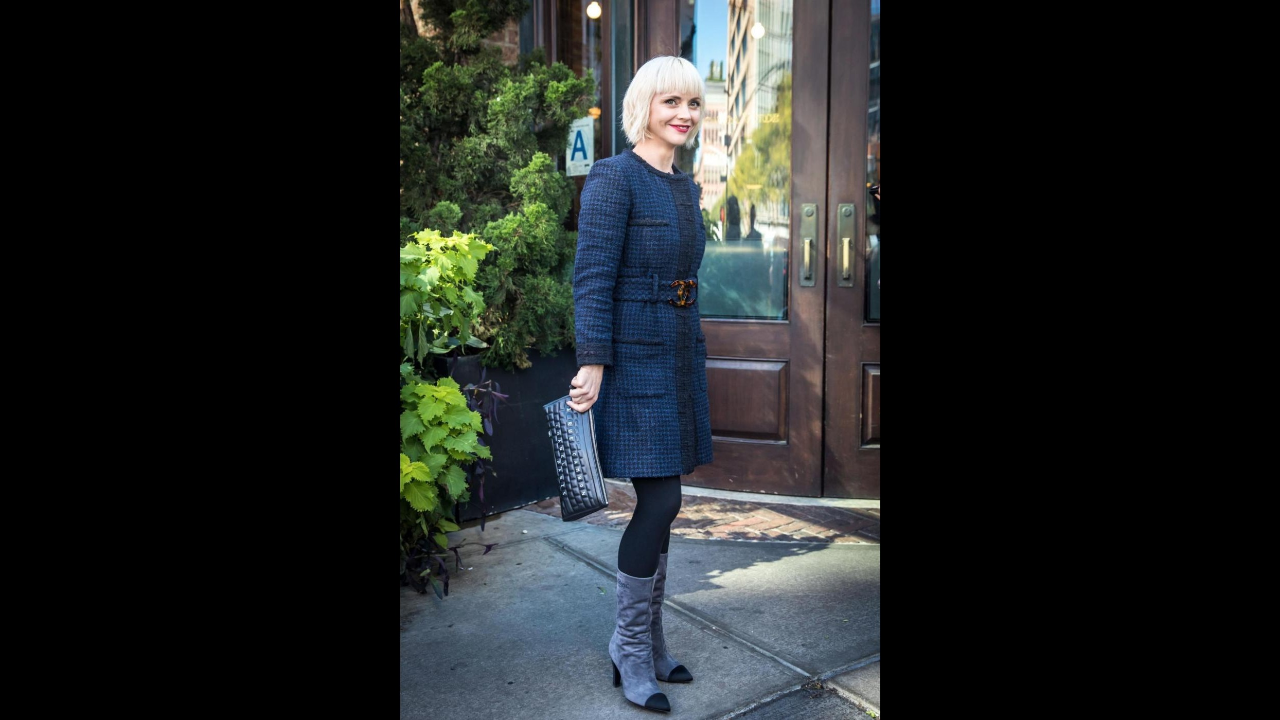 Cambio di look per Christina Ricci: la tinta è biondo platino