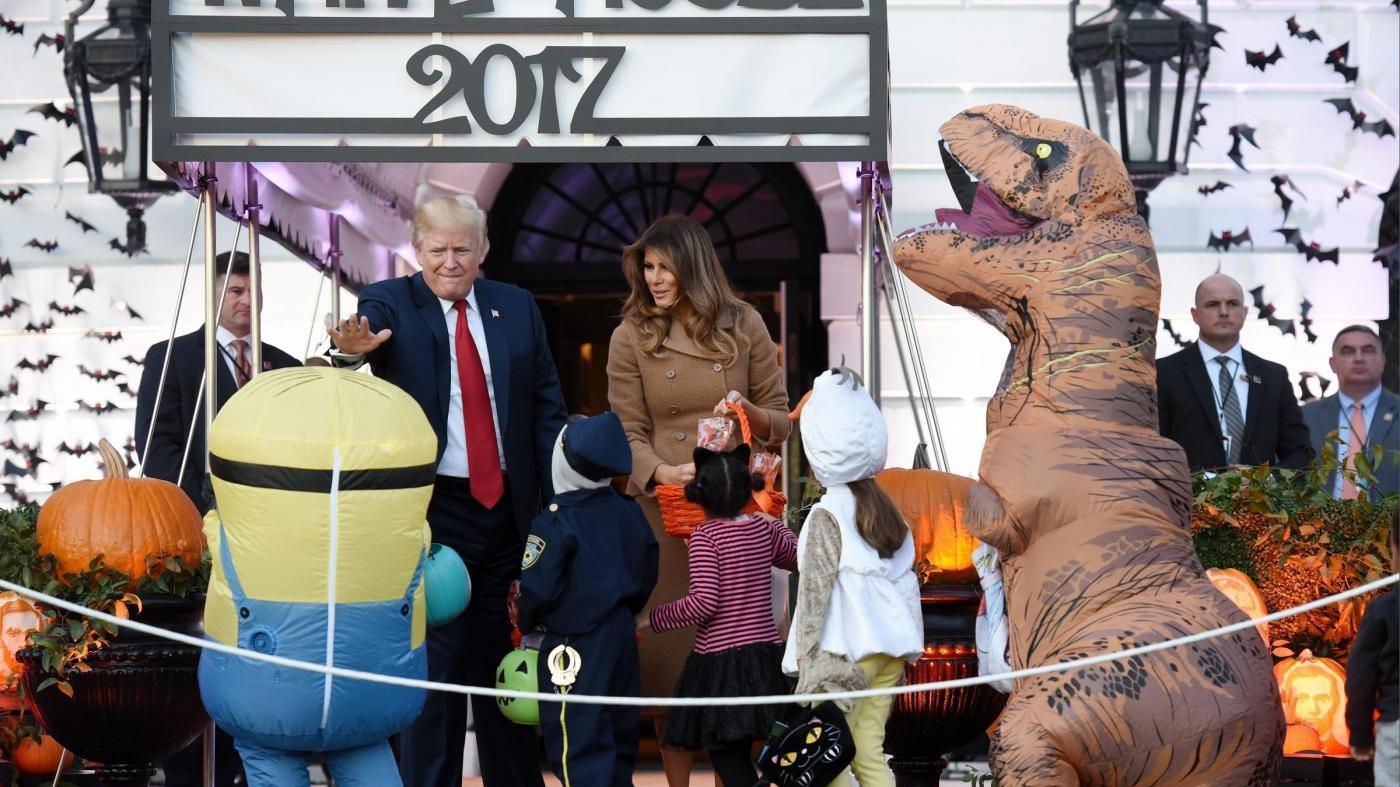 È Halloween alla Casa Bianca: i dolcetti di Donald e Melania Trump