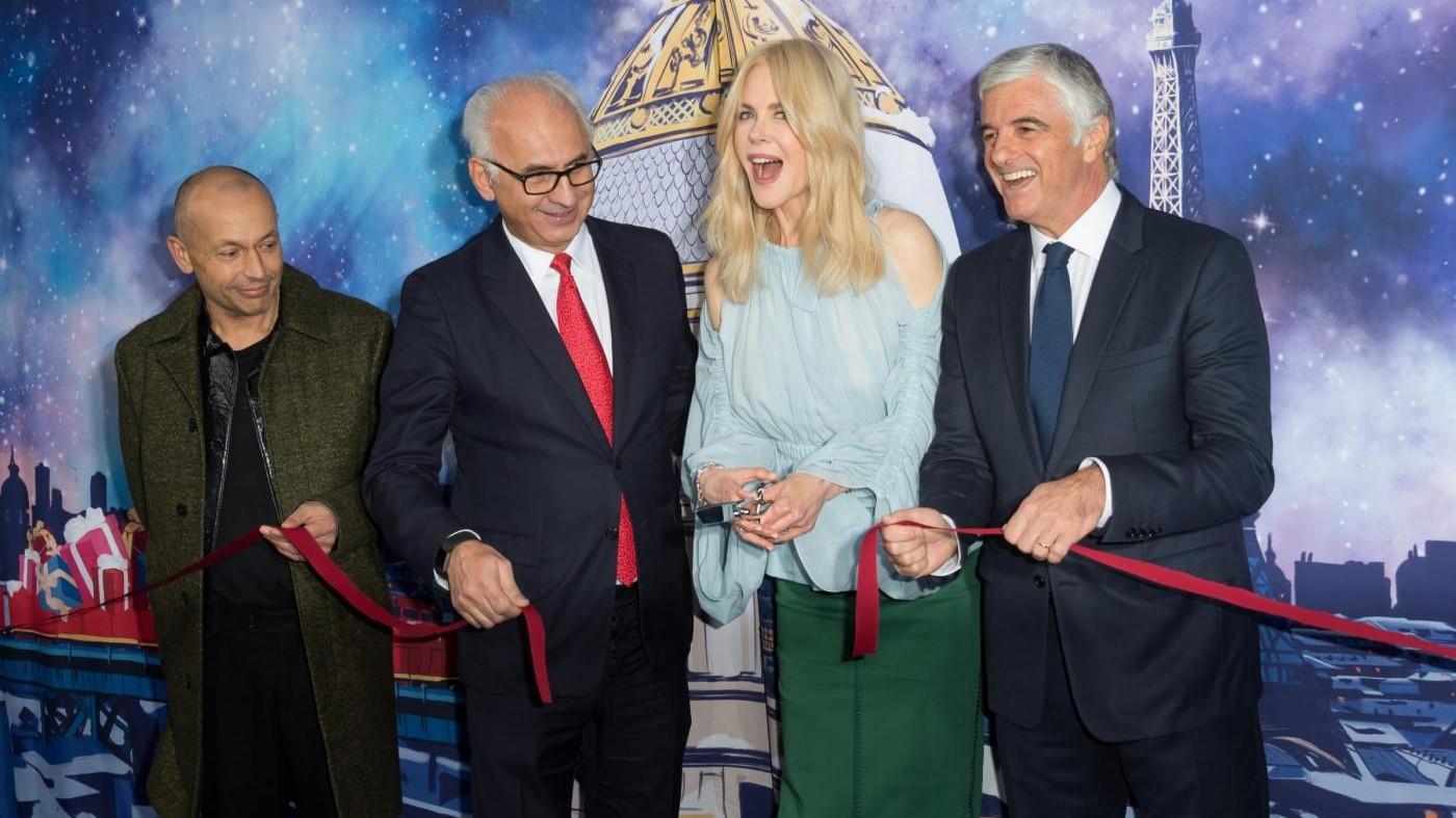 A Parigi il Natale inizia con Nicole Kidman: taglia il nastro di Printemps Haussmann