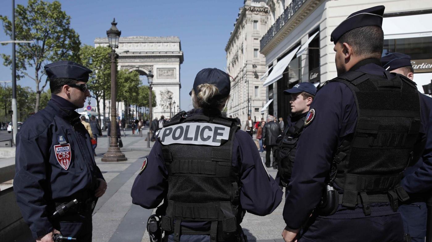 Francia, l'attacco di Parigi irrompe in campagna elettorale