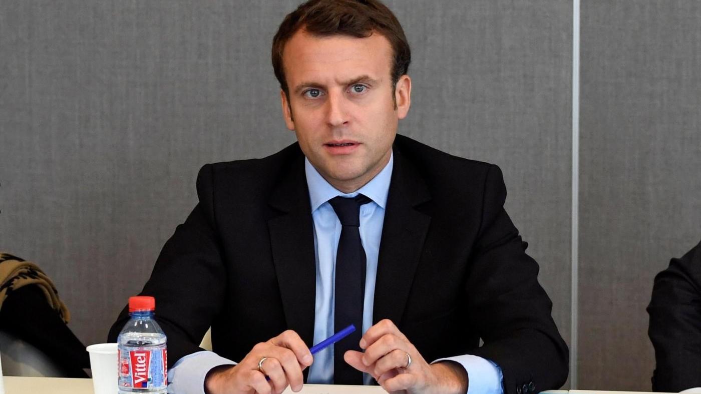 Macron fischiato alla Whirlpool. Folla grida: Marine presidente!
