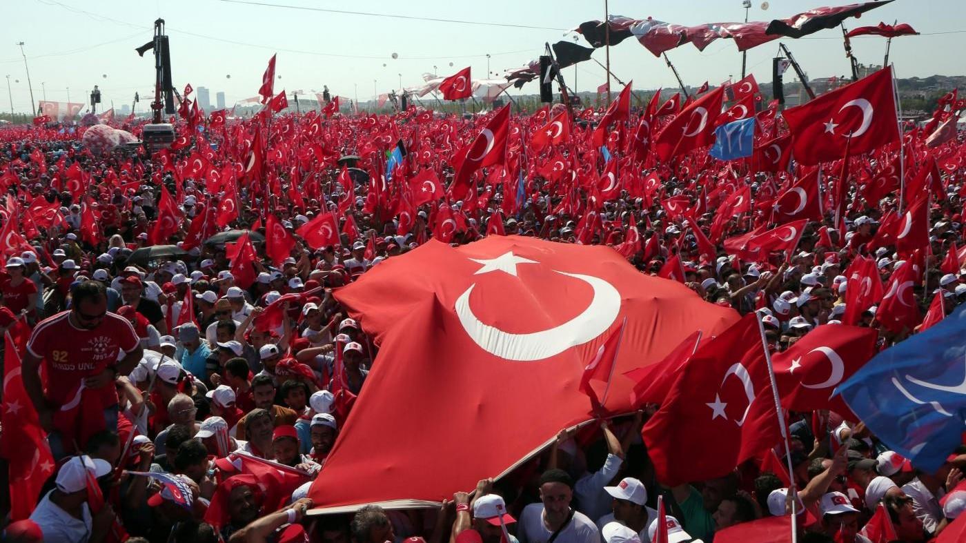 Turchia, purghe e Ue più lontana a un anno dal fallito golpe