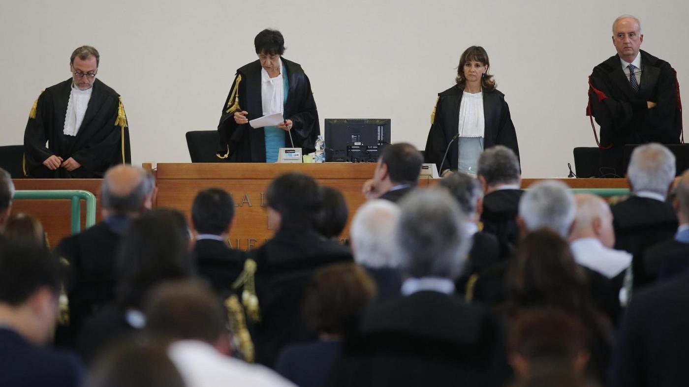 Mafia Capitale, le condanne: 20 anni a Carminati, 19 a Buzzi