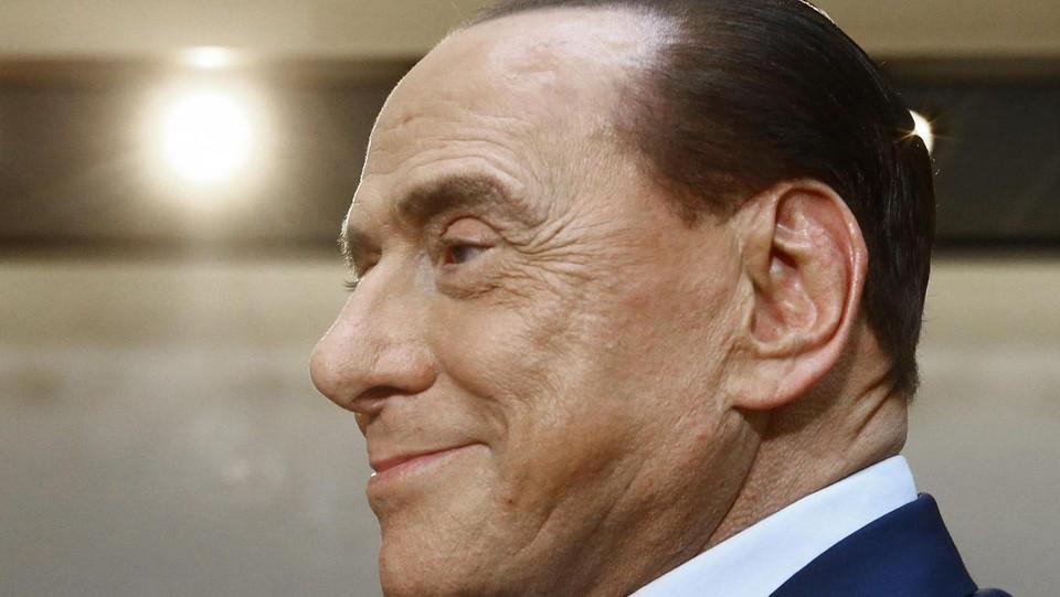 Berlusconi, fuga a Milano. Non partecipa a 'In Onda'
