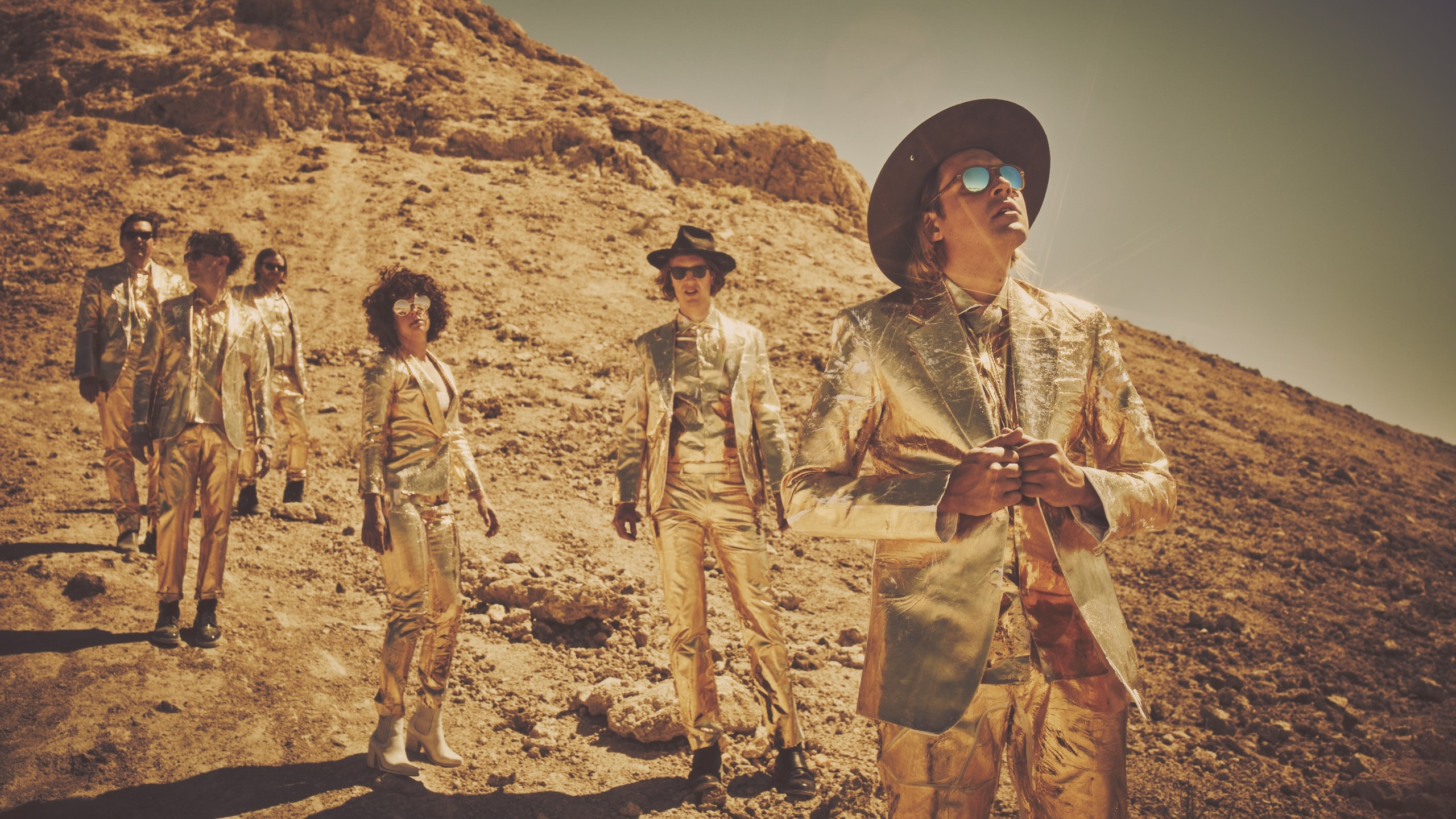 Esce 'Everything Now', il disco pop degli Arcade Fire