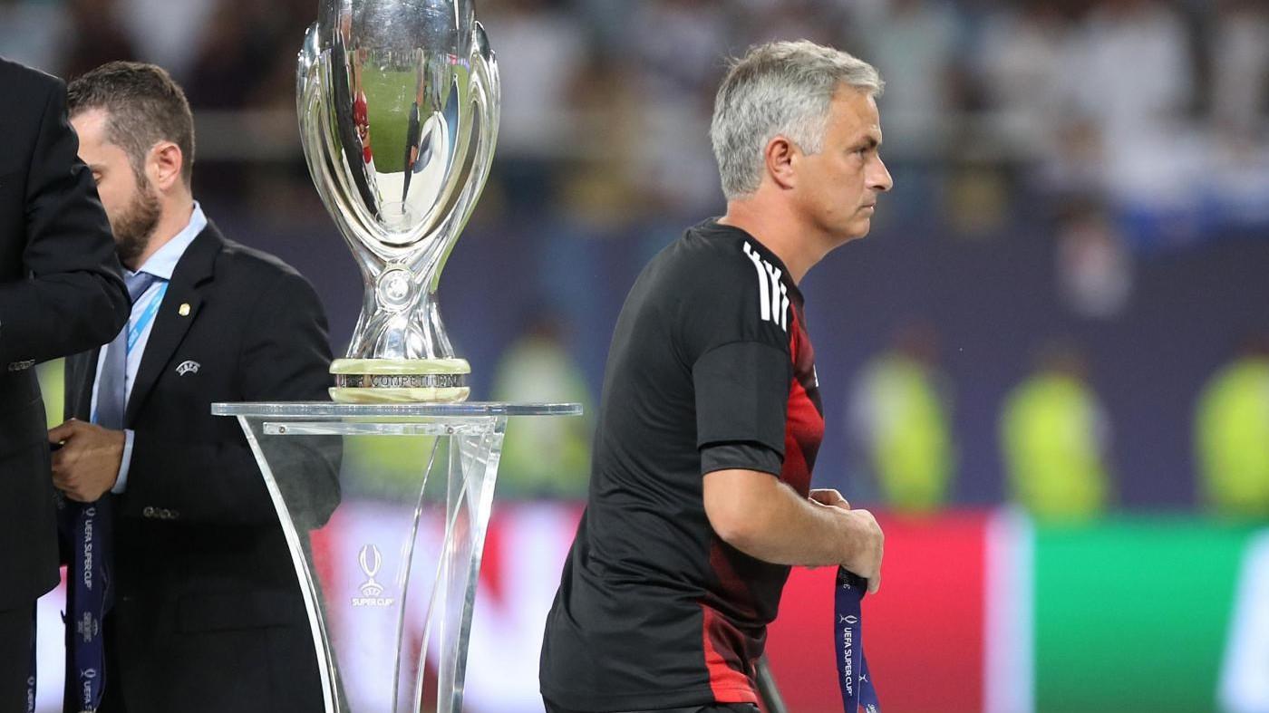 Supercoppa, Mou contro Rocchi e Uefa: Con Var 1-0 Real annullato