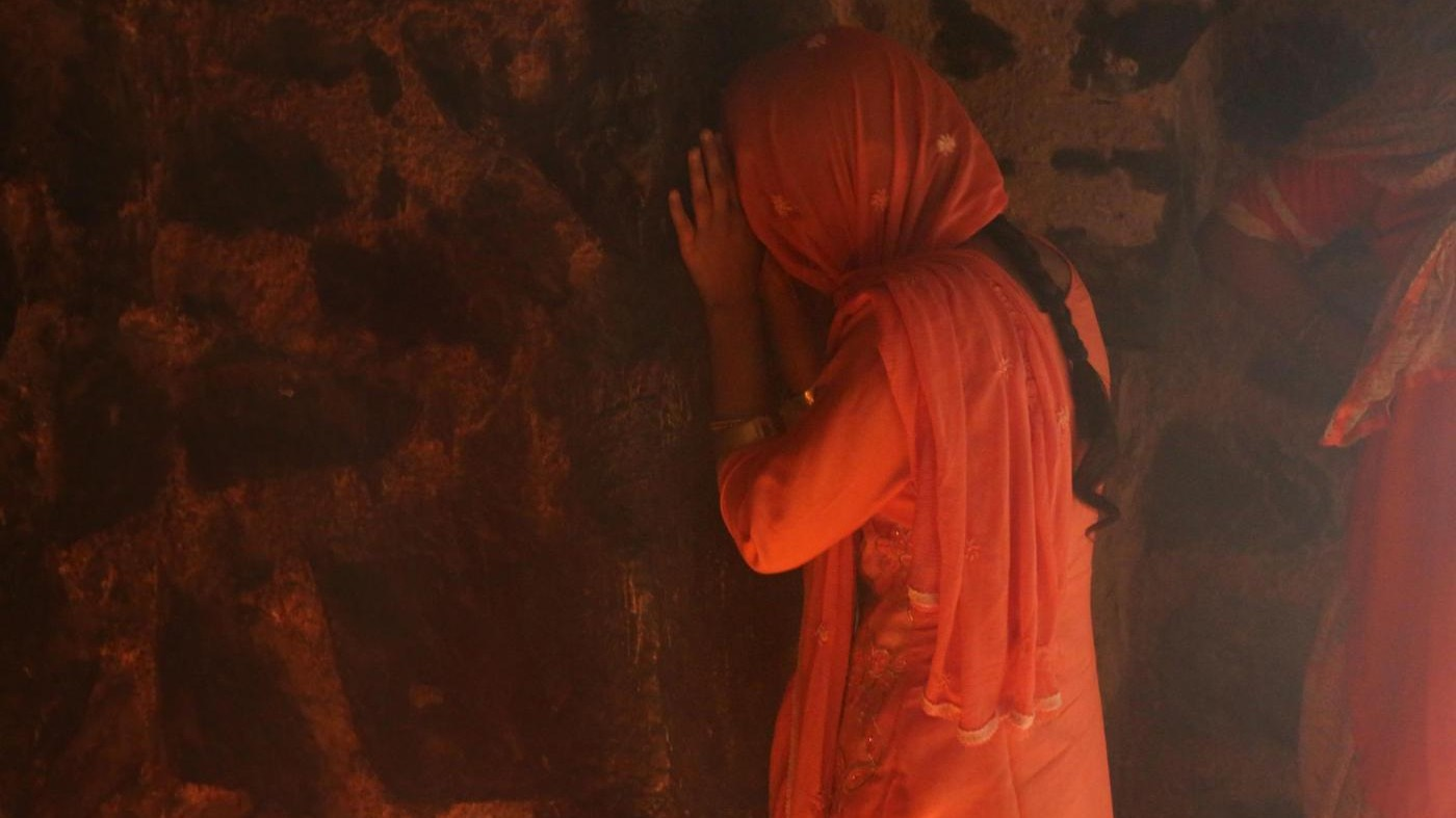 India, ex schiava sessuale scrive a Modi: Salva le altre donne