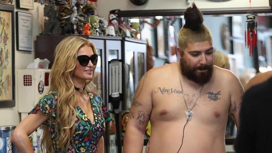 FOTO Paris Hilton e l'eccentrico amico Fat Jewish a Hollywood