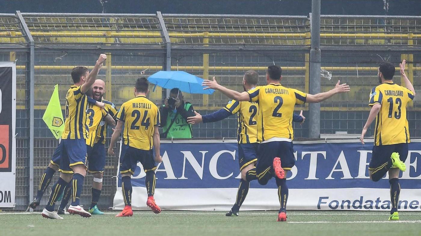 FOTO Lega Pro, Juve Stabia-Casertana 2-2