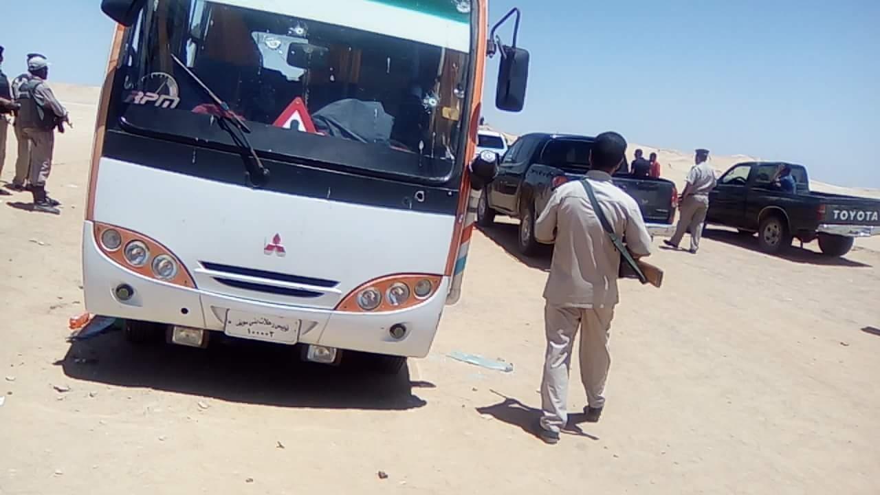 Egitto, attacco a bus di cristiani copti: 28 morti, molti bambini