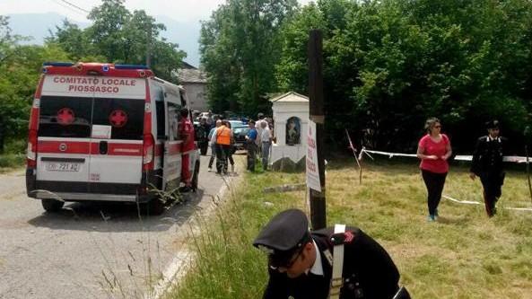 Torino, auto finisce fuori strada e uccide bimbo di sei anni