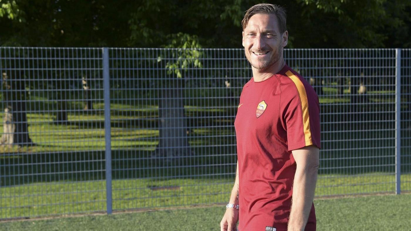 Roma, stadio Olimpico sold out per il Totti day, i tifosi preparano le lacrime