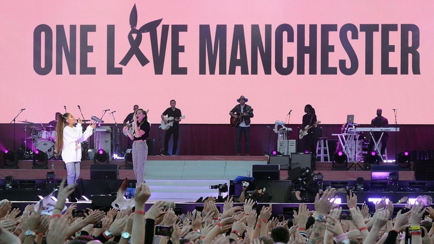 Ariana Grande e le star a Manchester contro il terrore