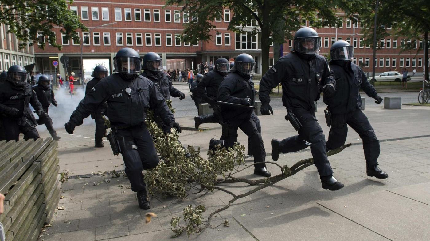 Block G-20, i movimenti contro i Grandi: scontri ad Amburgo
