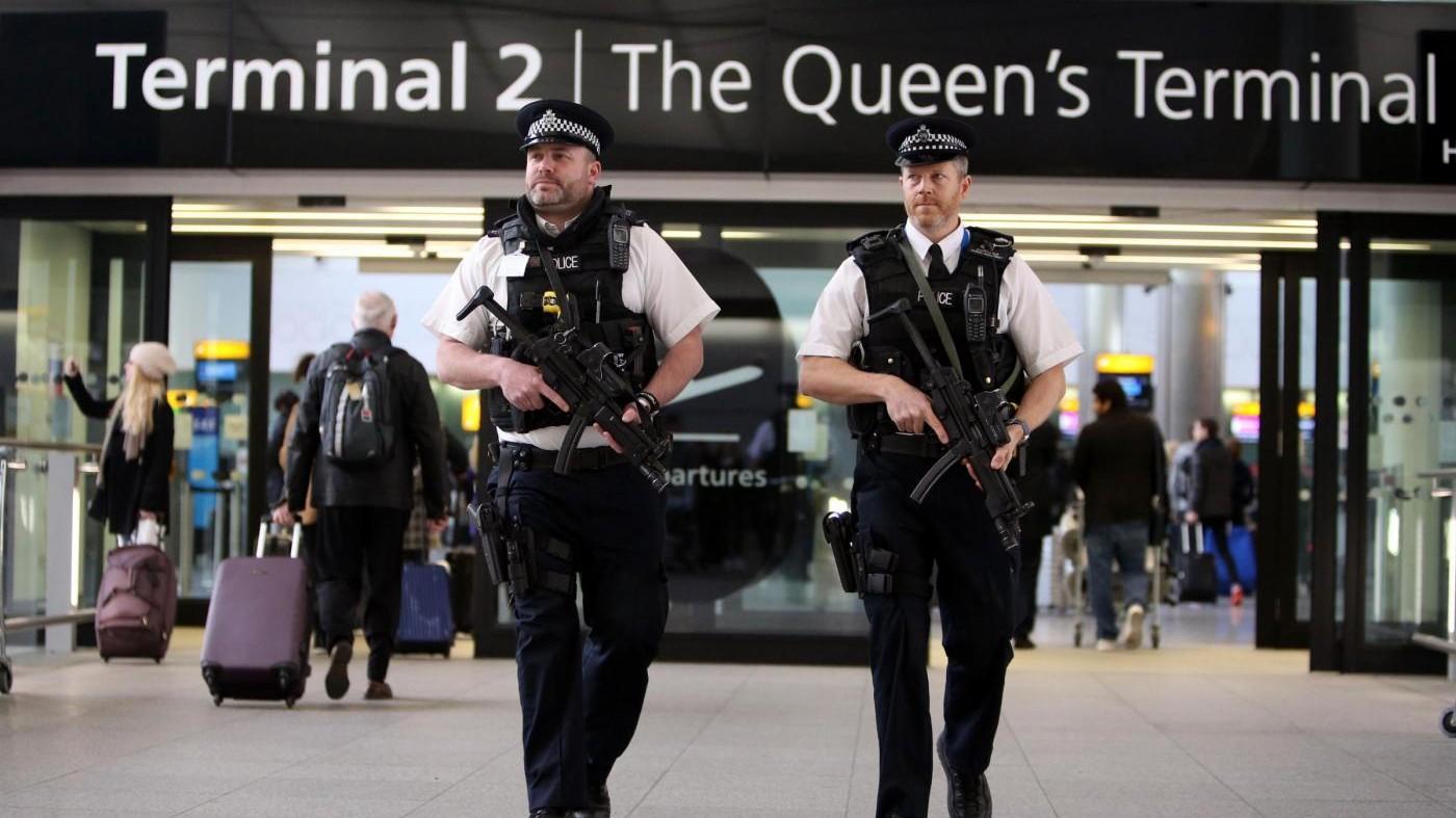 Attentato a Manchester, sospetto arrestato nello scalo di Heathrow