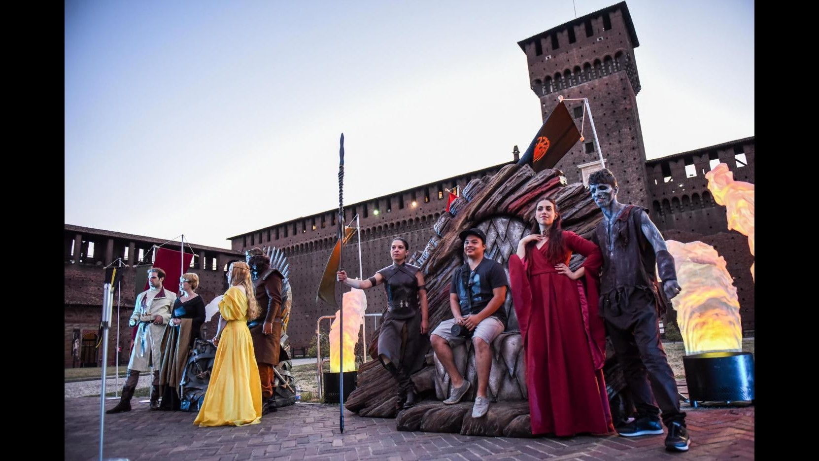 FOTO Torna 'Il Trono di Spade': maxi show al Castello Sforzesco