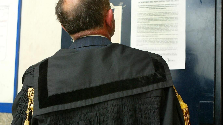 Messina, uccisa dal marito dopo 12 denunce: condannati giudici