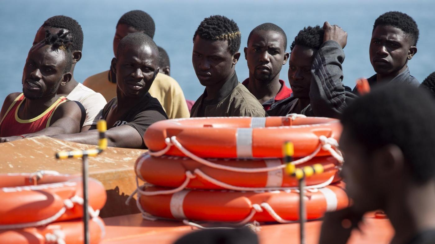 Libia, la guardia costiera locale salva 906 migranti alla deriva
