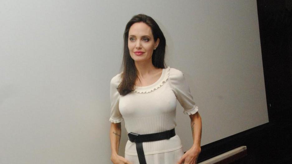 "Angelina Jolie: ""Essere single è dura"""