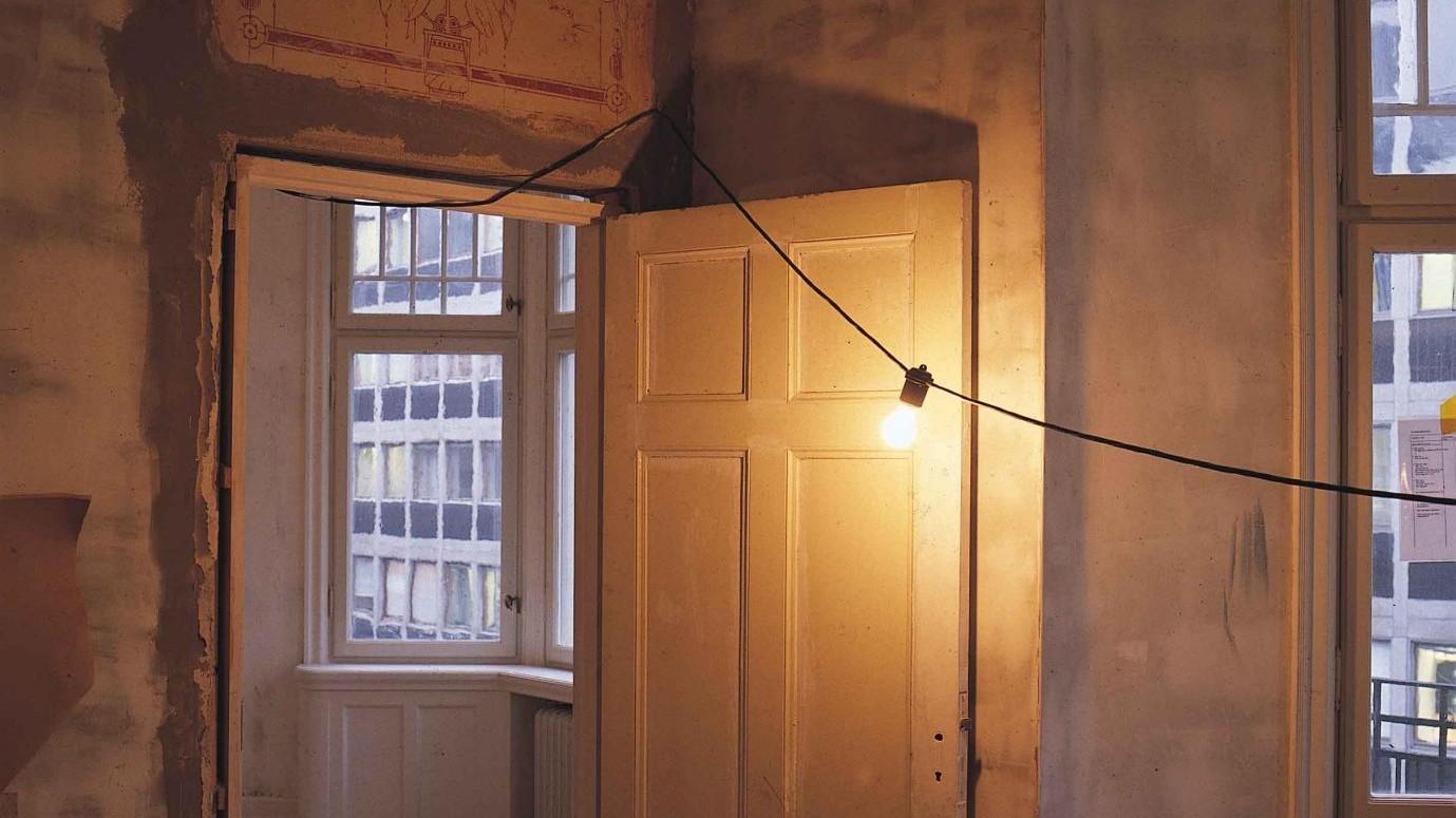 """La Cassazione: """"L'elettricità non è un bene di prima necessità"""""""