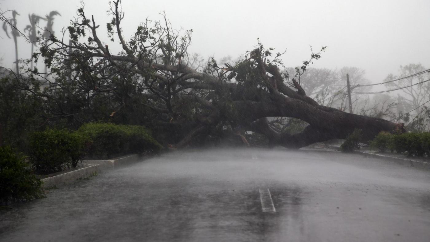 Irma raggiunge la Florida: 3 morti, 381mila persone senza luce