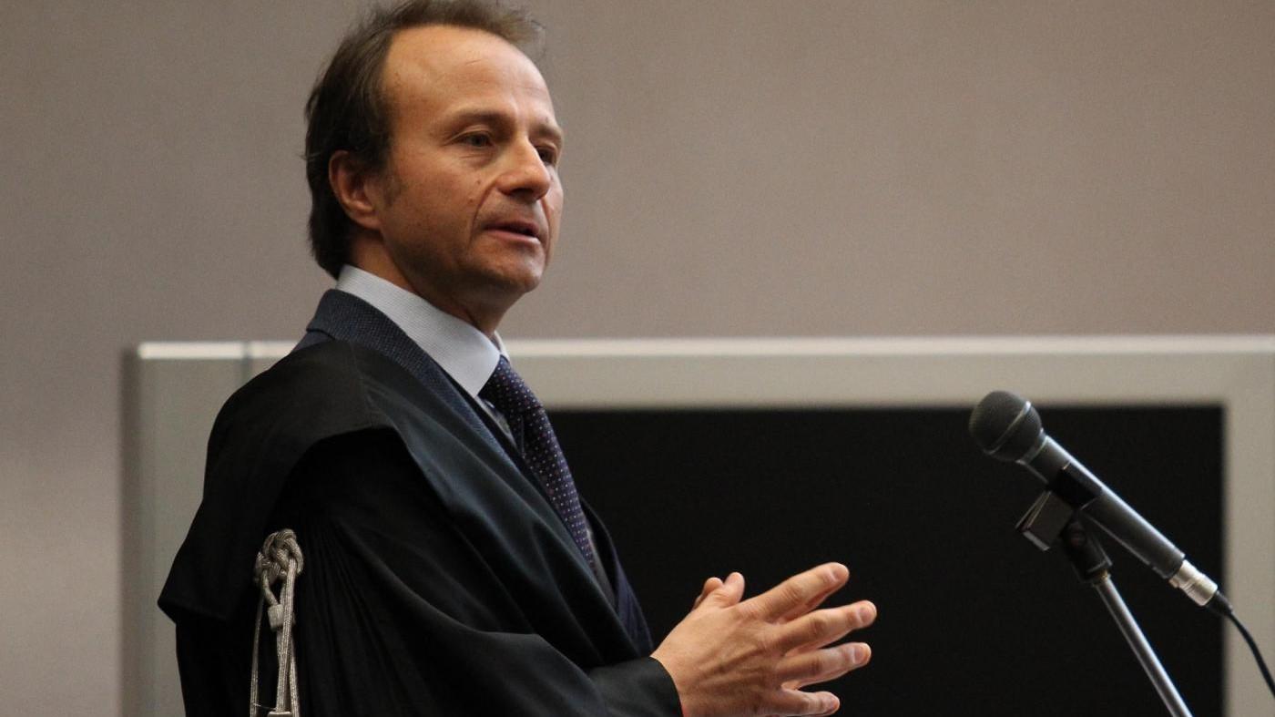 Consip, Woodcock indagato per falso. Politica solidale con Renzi ma Fi critica