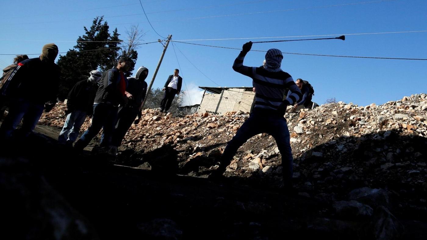 Blitz in un campo profughi Cisgiordania: ucciso palestinese