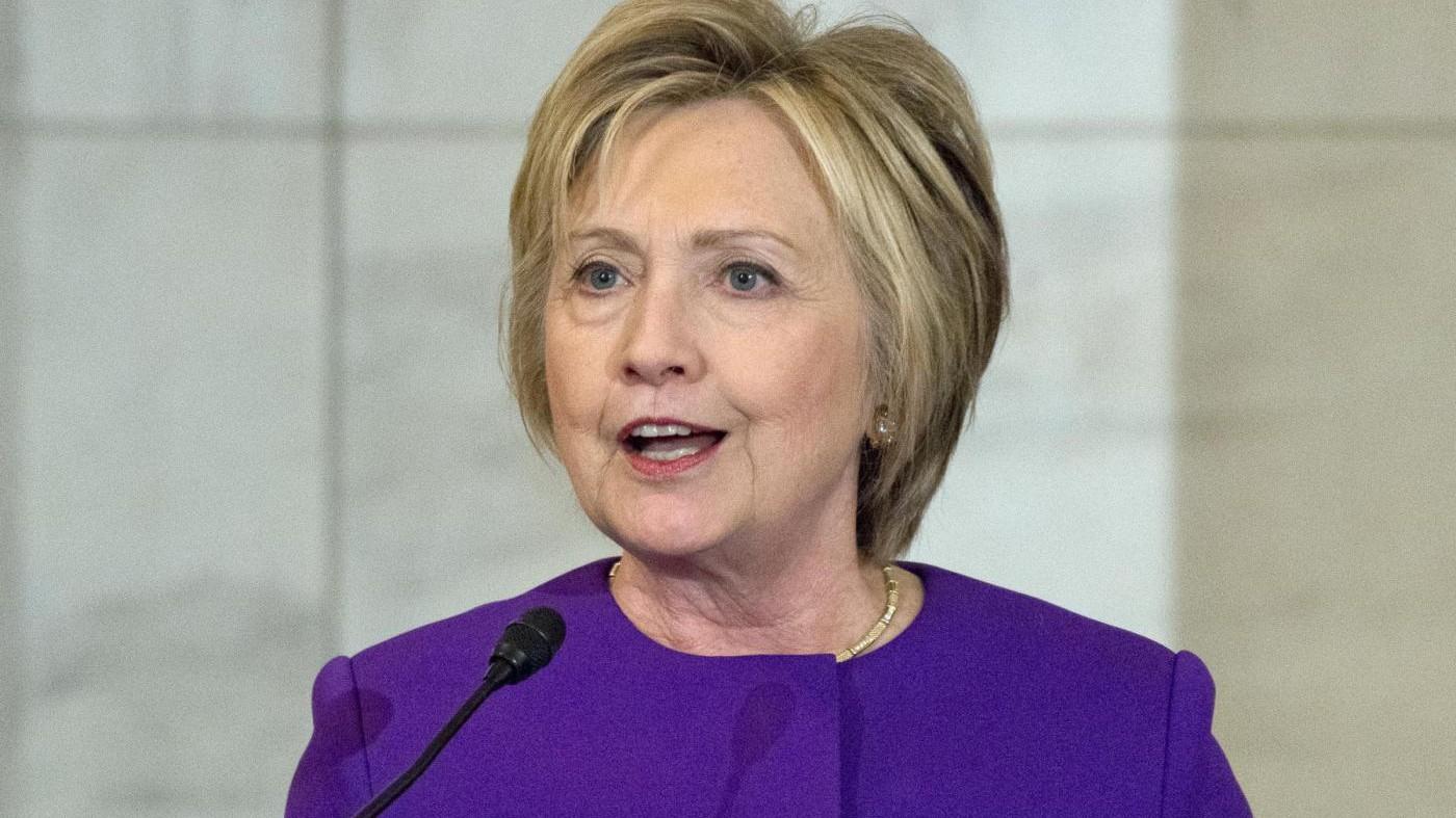 Usa, aperta indagine su Fbi per il caso email di Clinton