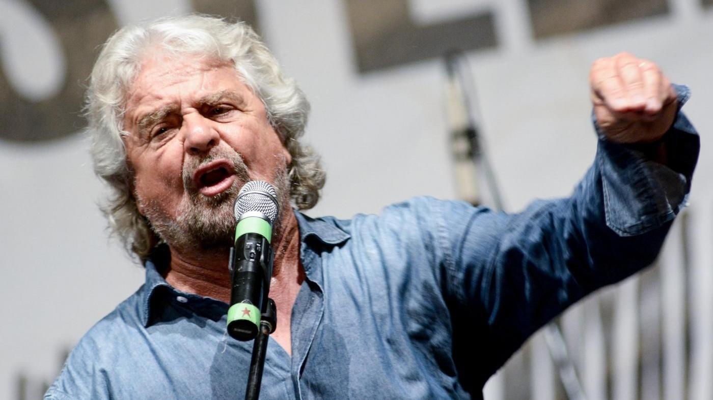 M5S, Grillo lancia il Bufalino d'oro: I media chiedano scusa agli italiani