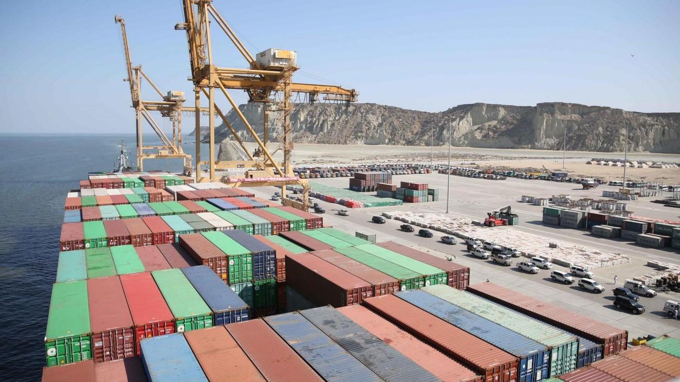 Istat, a novembre export +2,2% e import +1,7%: surplus a 4,2 mld