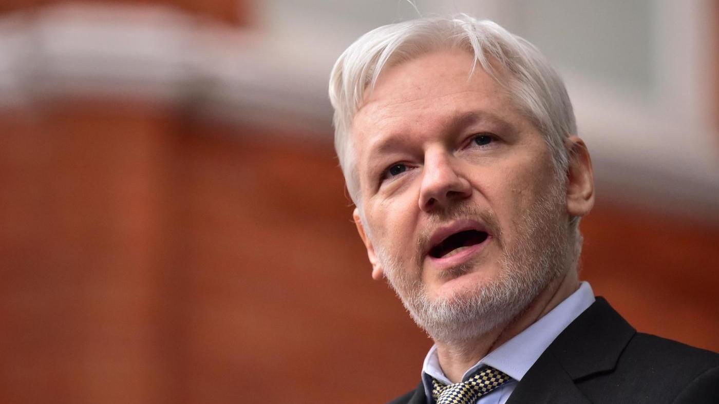Assange plaude alla decisione di Obama: Manning è un'eroina