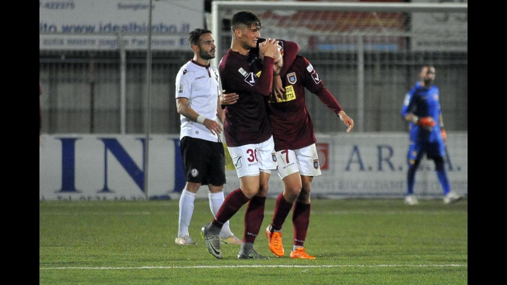 FOTO Pontedera supera Arezzo 3-2