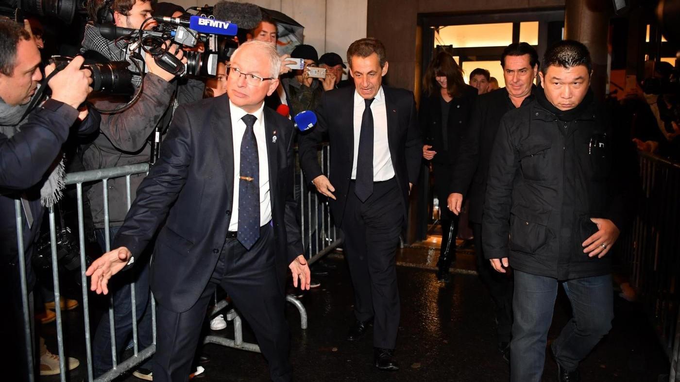 FOTO Francia, Sarkozy e Carla Bruni dopo la sconfitta alle primarie