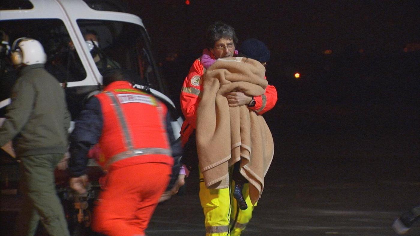 Hotel Rigopiano, estratti 3 corpi: bilancio sale a 9 vittime