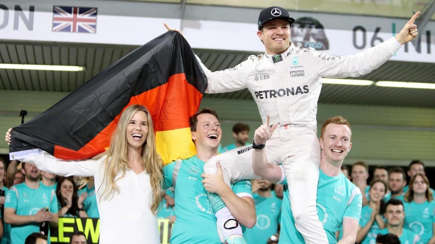 FOTO Formula 1, Rosberg a sorpresa si ritira