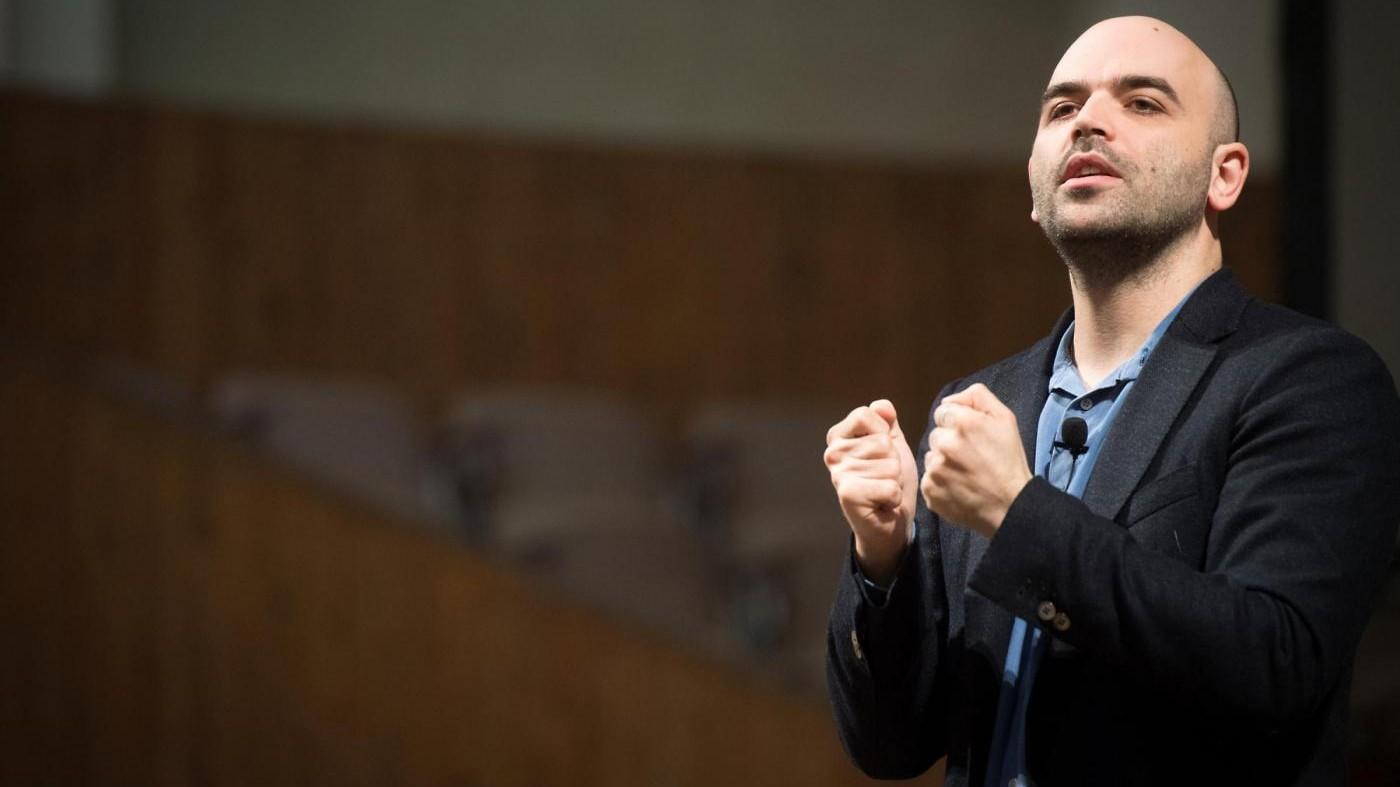 Eutanasia, Saviano a dj Fabo: Spero che il Parlamento ti ascolti