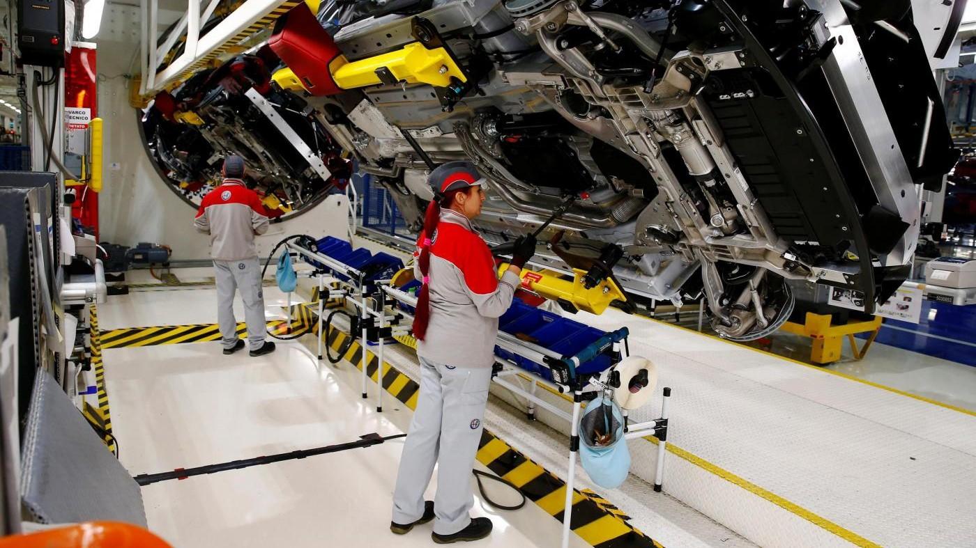 Istat, la produzione industriale nel 2016 cresce dell'1,6%
