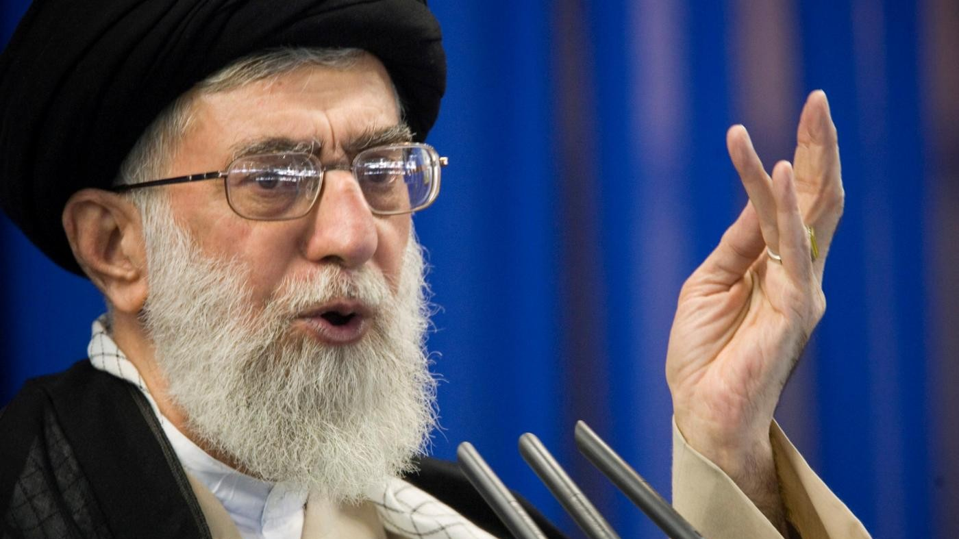 Khamenei: Vera guerra con gli Usa è economica, non militare