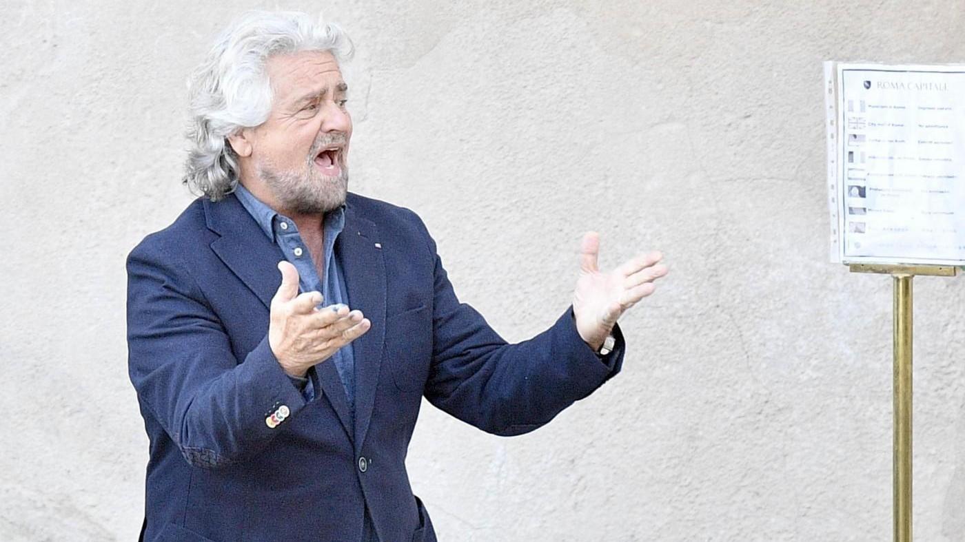 L'appello di Grillo al Papa: Ti prego, dai una mano, paga l'Imu