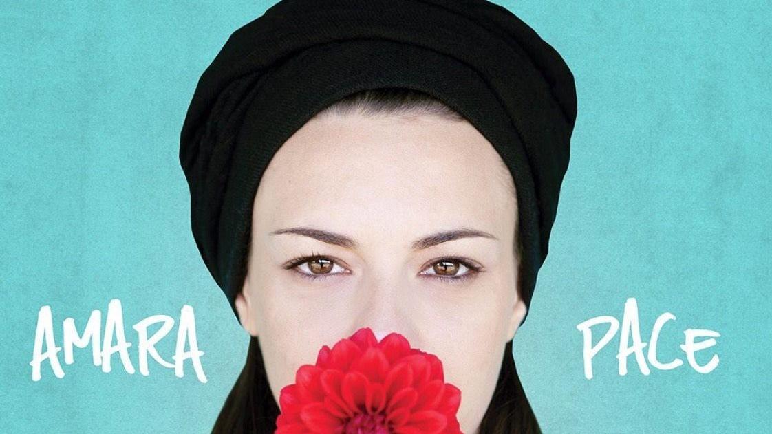Amara presenta 'Pace': Cerco la verità, sogno di scrivere per Mina