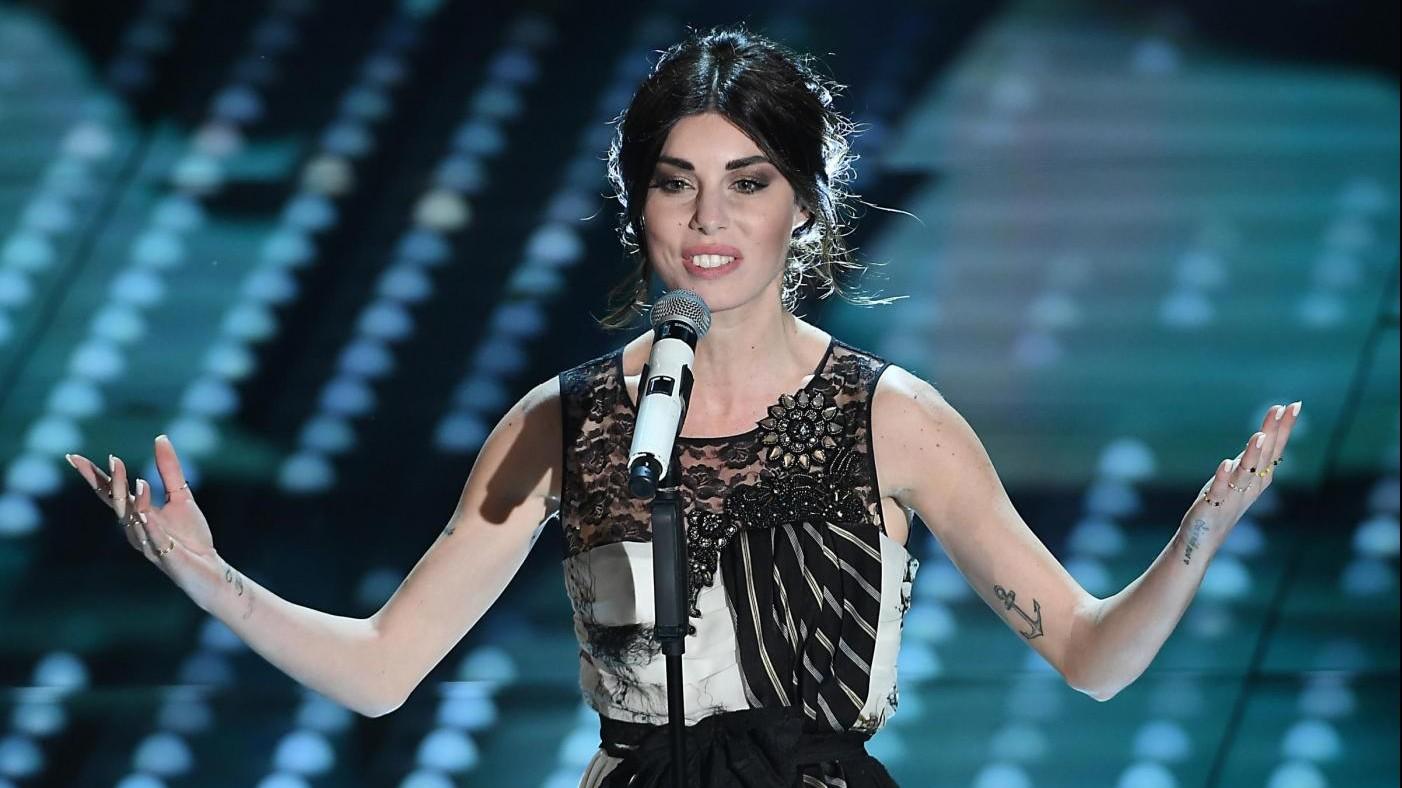 FOTO Sanremo, look della seconda serata: domina black&white