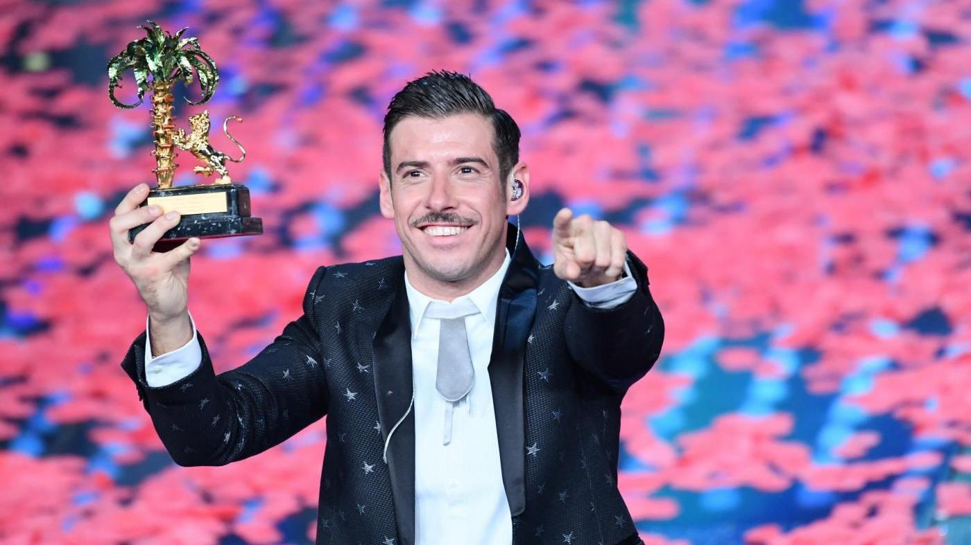 FOTO Francesco Gabbani, vincitore di Sanremo 2017