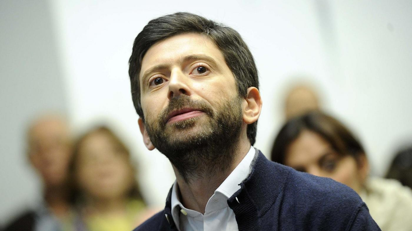 Speranza: Gentiloni non deve temere noi ma Renzi, vuole il voto