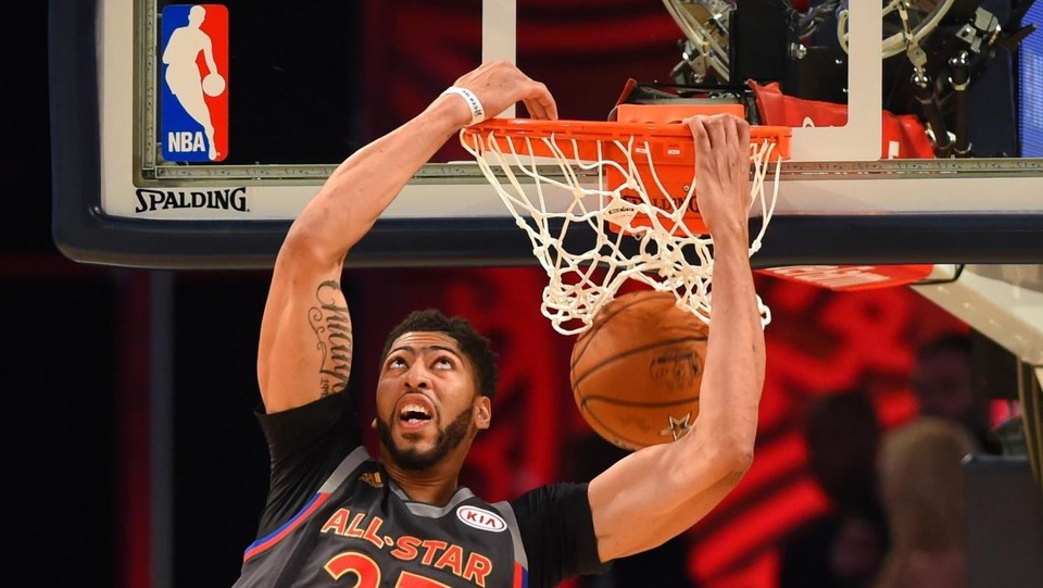 Una schiacciata di Anthony Davis, Mvp dell'All Star Game ©LaPresse/Reuters